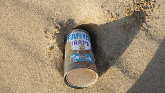 ファンタ:砂に埋れる写真
